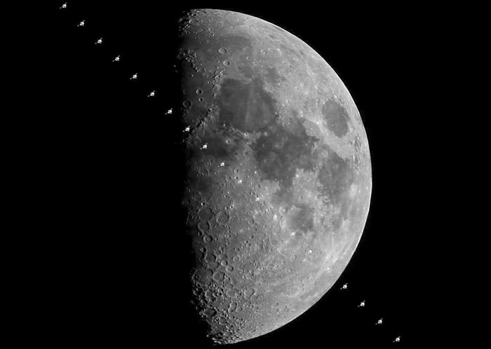 Iss_on_the_moon
